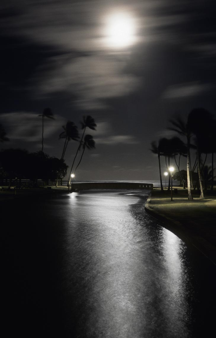 Full moon, Kahala, Oahu