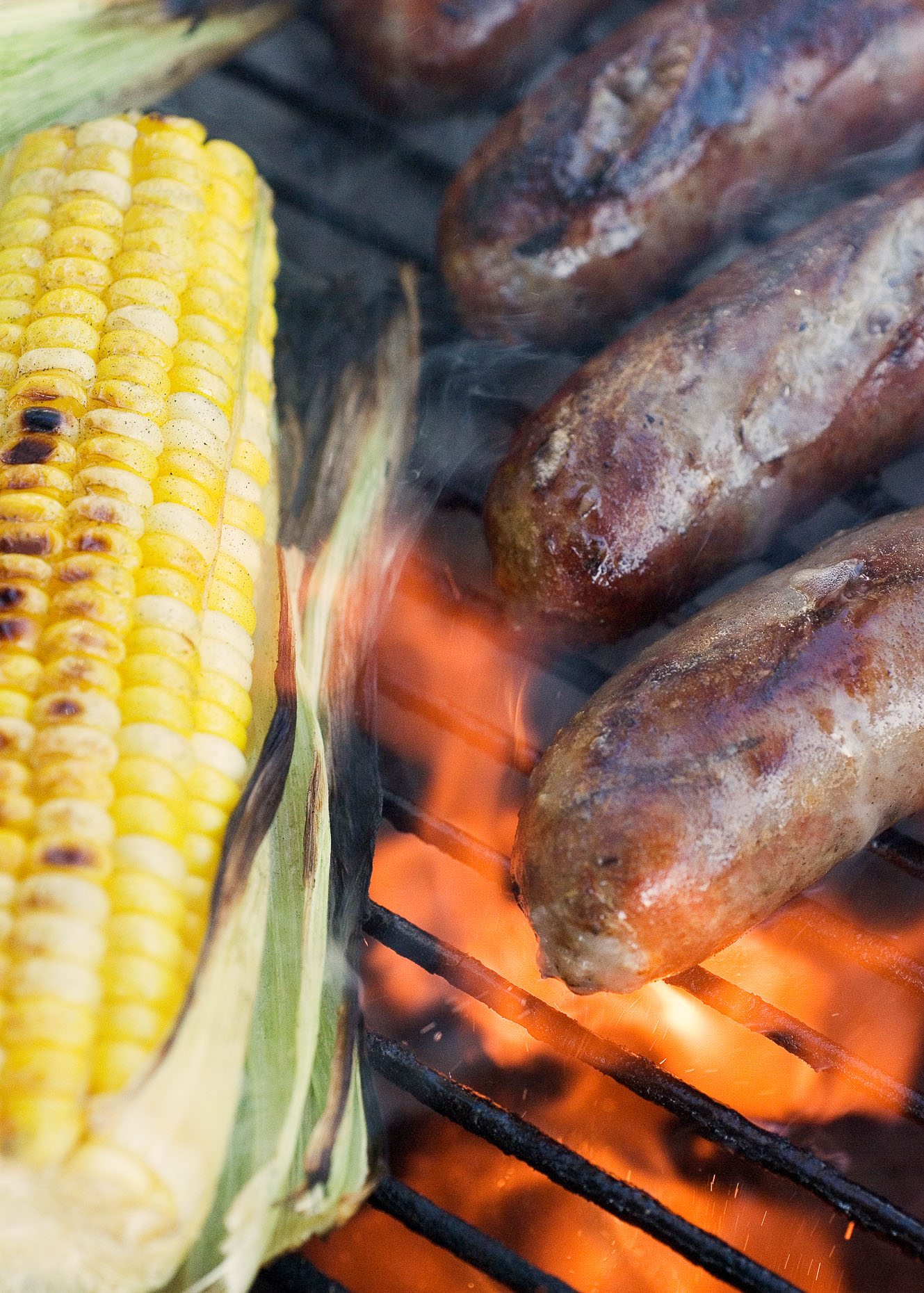 brats_and_corn
